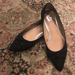 Pointy Black Flats with Bow (7.5)